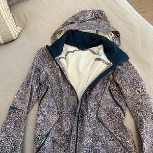 Lululemon windbreaker rain jacket